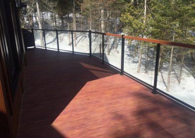 Plancher terasse en aluminium Alu Floors Scandinavia. Couleur Simili Bois